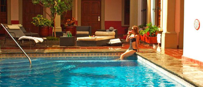 ¿A qué métodos recurrir para mantener tu piscina cálida en invierno?